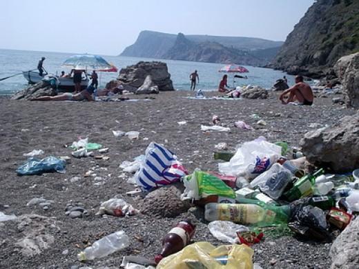 Пляжи в оккупированной Керчи: груды мусора, нехватка туалетов и песка - Цензор.НЕТ 7358