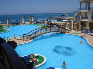 отель King Tut Resort